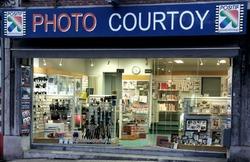 p.6 commerce photo courtoy