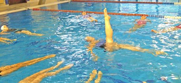 Piscine d'Aywaille, cours de nage synchro