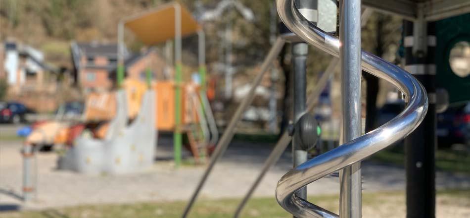 Zone 10 ans +. Aire de jeux du centre sportif communal d'Aywaille.