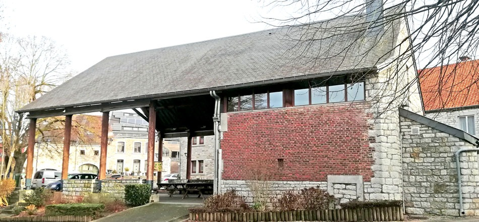 Halle de Deigné, vue extérieure
